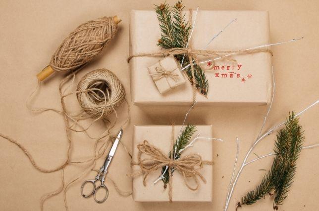 PLV carton - Campagne de communication Noël et fêtes